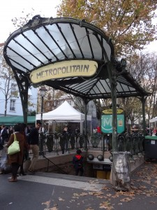 2_Metro_Abbesses1